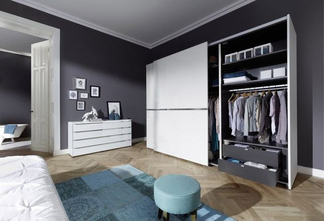 ordnung im schlafzimmer m bel mit. Black Bedroom Furniture Sets. Home Design Ideas